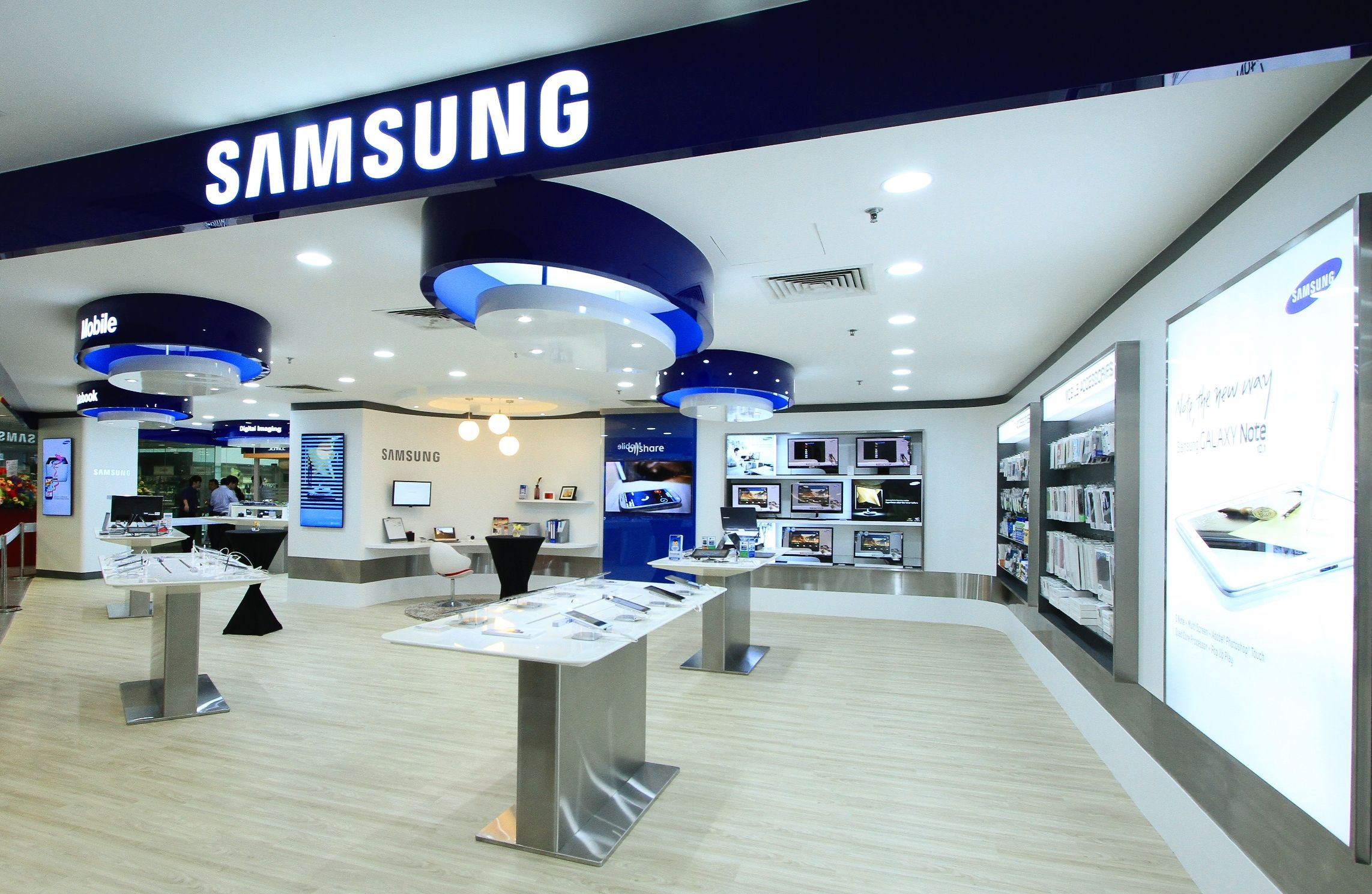 Samsung electronics malcolm sunny wine travel for Product design singapore